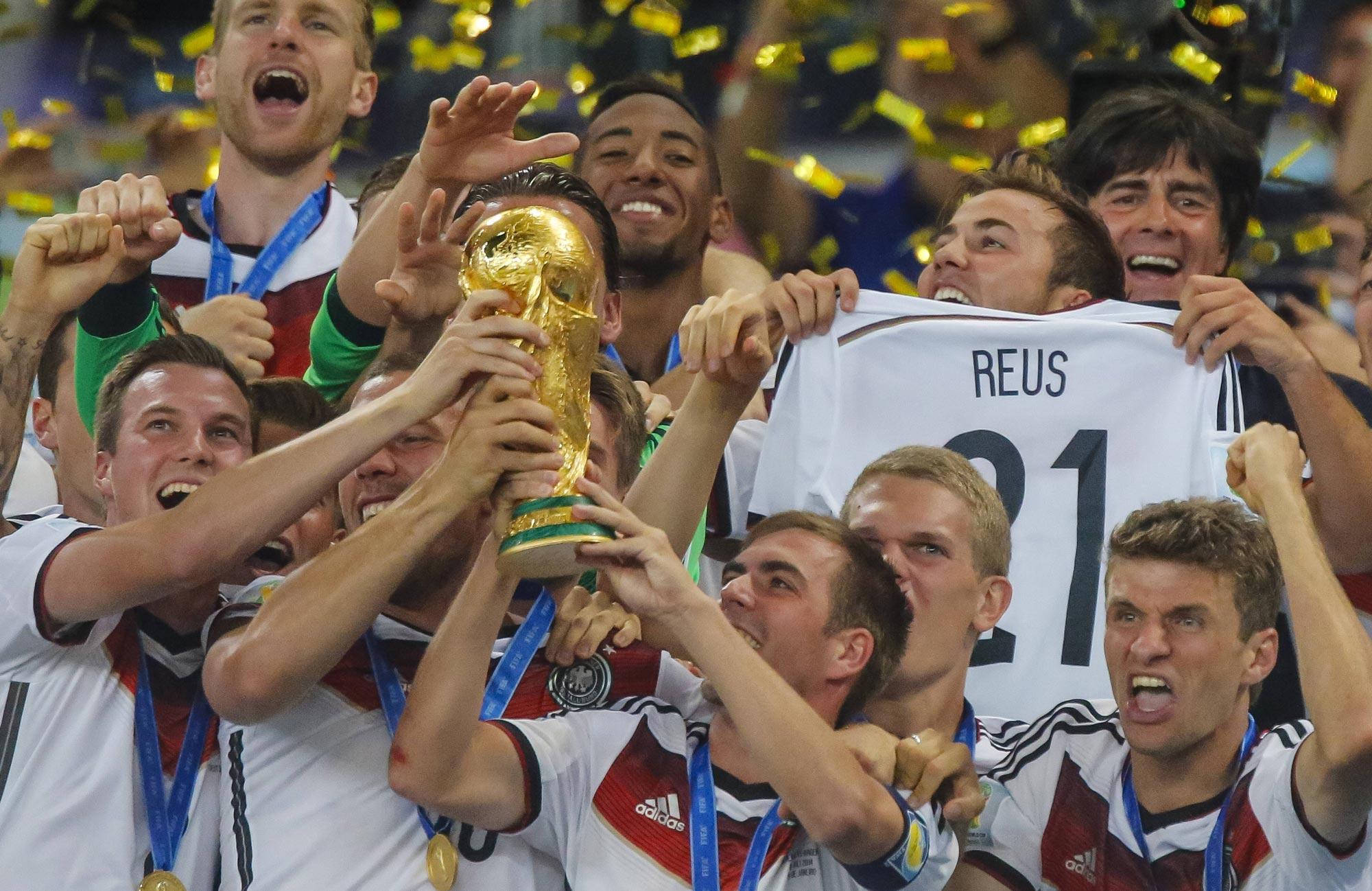 Deutschland feiert und Marco Reus ist dabei.