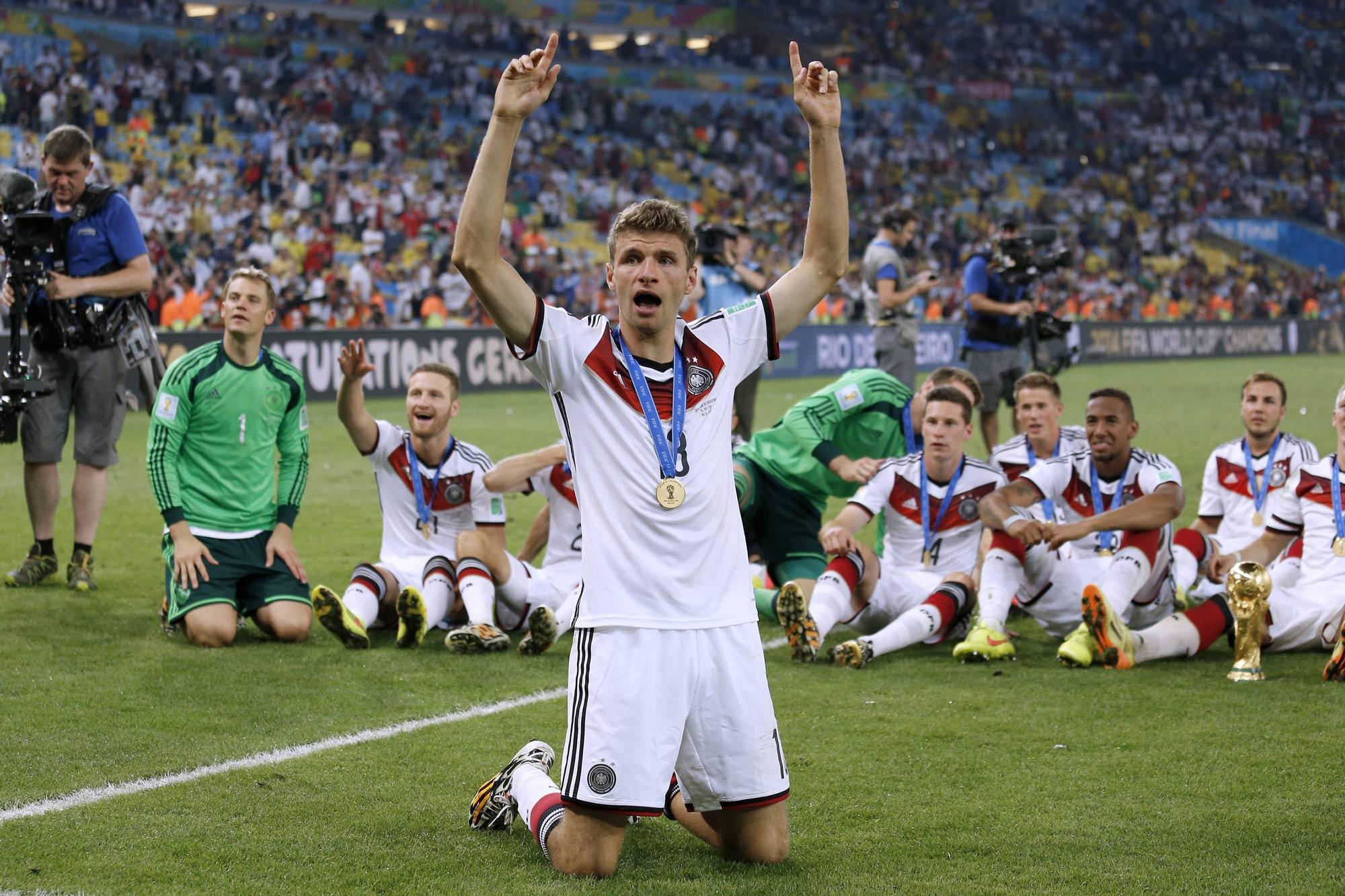 Deutschland wird Weltmeister, Thomas Müller erzielt 5 Tore.